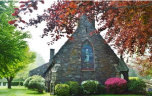 St. Columba's, Berkeley Memorial Chapel, Eve's burial place in Middletown, RI